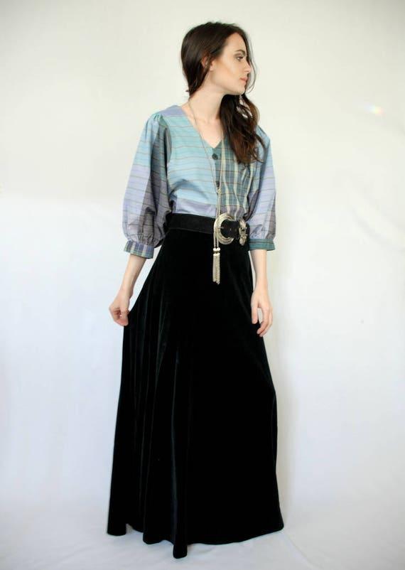 90s VINTAGE black velvet maxi skirt, PETITE, Goth… - image 6
