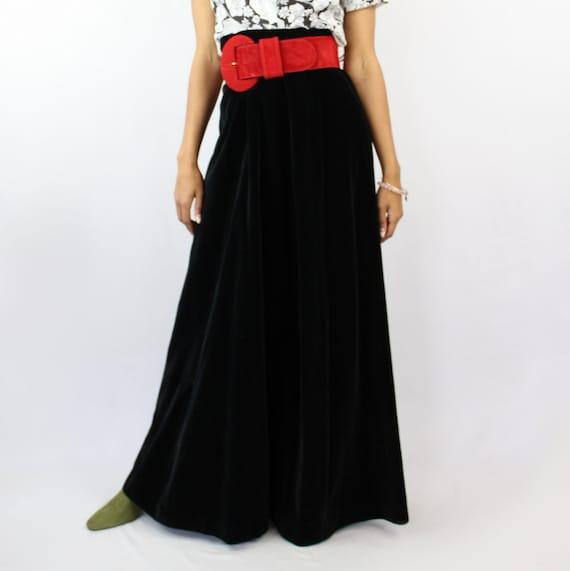 90s VINTAGE black velvet maxi skirt, PETITE, Goth… - image 2