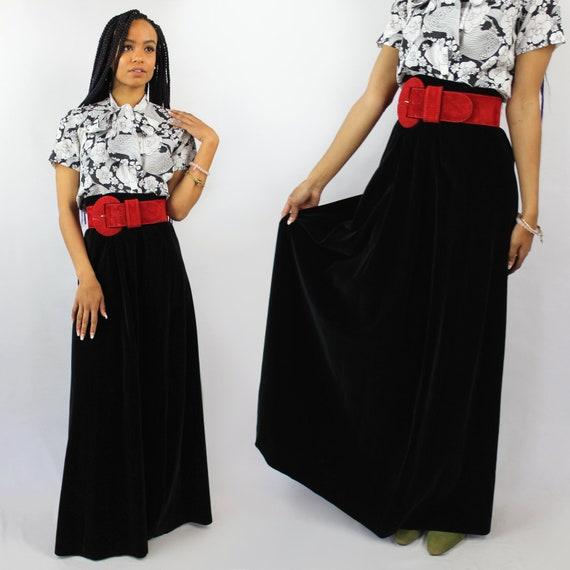 90s VINTAGE black velvet maxi skirt, PETITE, Goth… - image 1