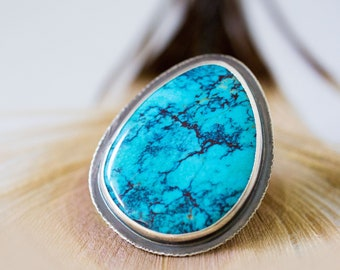 Spiderweb Turquoise Ring, Arizona Turquoise Ring Sterling Silver, Cocktail Ring, Large Turquoise, Collector Stone - Her Majesty - Size 7.25