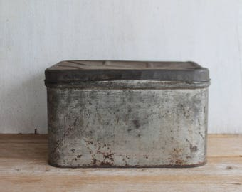 Vintage Farmhouse Tin Bread Box