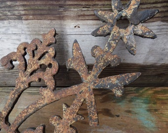 Antique Iron Fence Panel Spiky Flower Finial Garden Architectural Salvage  Aged Rustic French Country Victorian Gothic Supplies