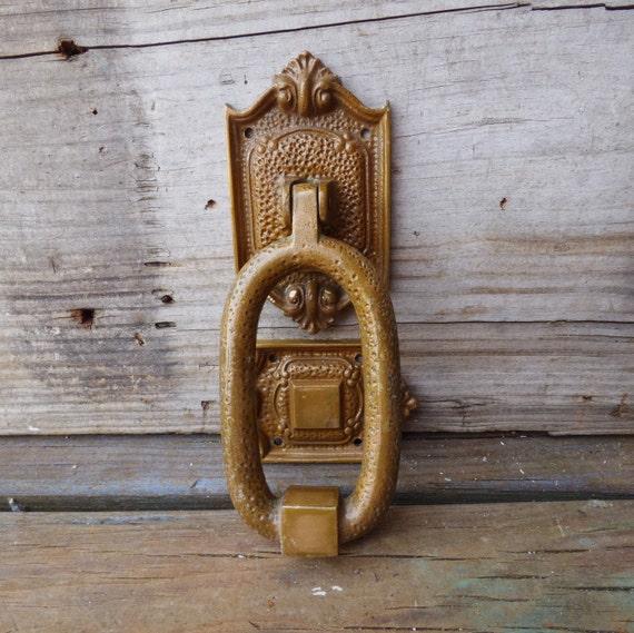 Attirant Vintage Doorknocker H.B Hammered Brass Door Knocker Hanger | Etsy