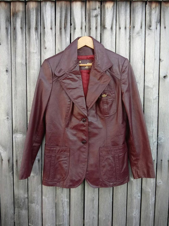 e055be0da 70s vintage Etienne Aigner - short leather trench coat, oxblood button  down, double breasted, lined, brass hardware, pockets, Womens sz 18