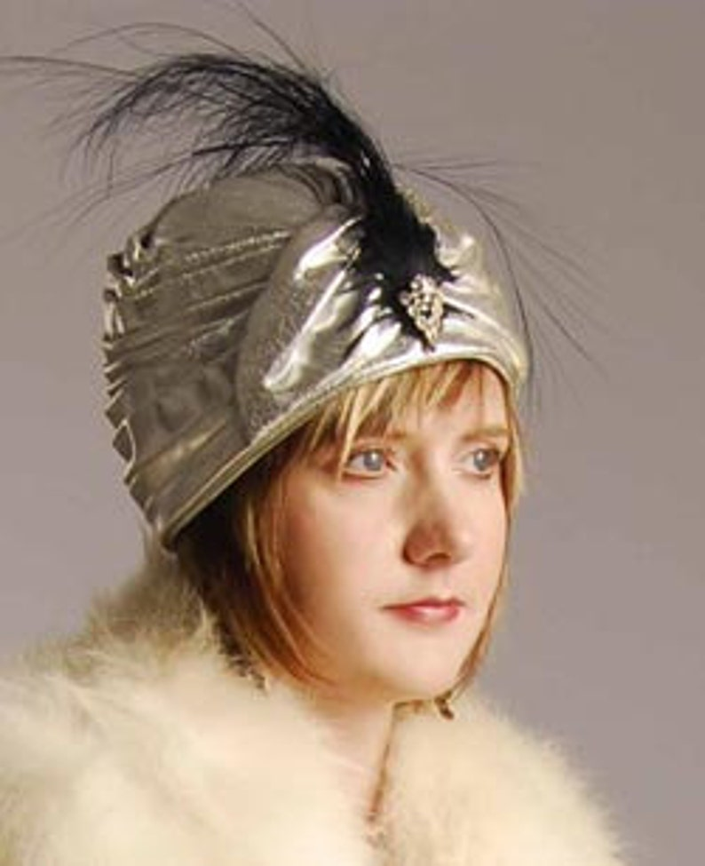 Poiret 1920s Style Silver Lame Turban Hat Perfect Item 719 image 0