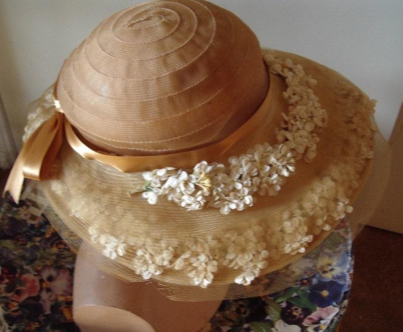 Early 1930/'s Original Pale Yellow  Horsehair HatWhite Floral Trim Item #148  Hats 1920-1939