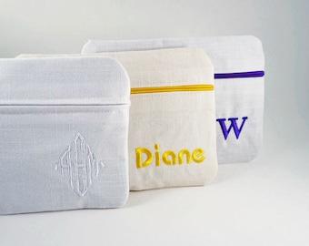 Linen Make Up Clutch Bag, Bridesmaid clutch, Monogrammed makeup bag, Make Up Bag, Cosmetic Bag, PersonalizedBag, Wedding Clutch,