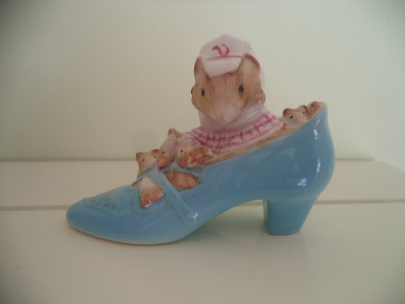 Beswick Vintage Beatrix Potter The Old Woman Who Lived In A Shoe Ornament Mouse Beatrix Potter