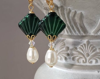 Green Art Deco Earrings - Art Deco Jewelry - 1920s Earrings - Flapper Jewelry - Vintage Style Reproduction