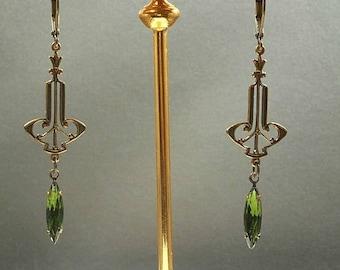 Green Flapper Earrings - Art Deco Jewelry - Art Deco Earrings - 1920s Vintage Style - Jewelry for Flapper Dress - Jazz Age Style