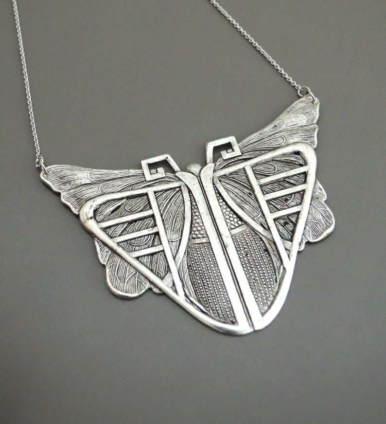 Vintage Jewelry  SILVER Necklace  Vintage Inspired  Art image 0