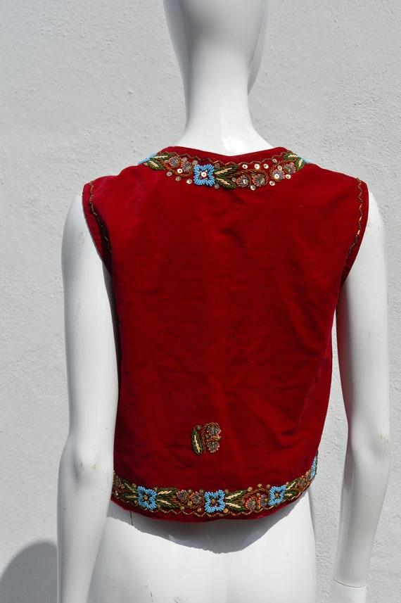Vintage 70's HAND EMBROIDERED red velvet vest siz… - image 6