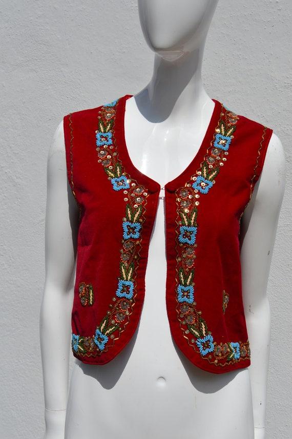 Vintage 70's HAND EMBROIDERED red velvet vest siz… - image 3