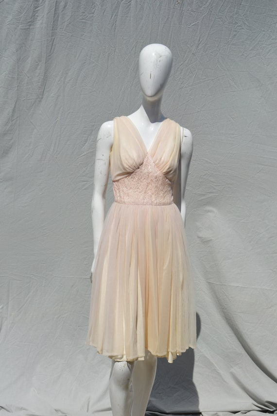 Vintage 50's nightgown lingerie new look nude danc