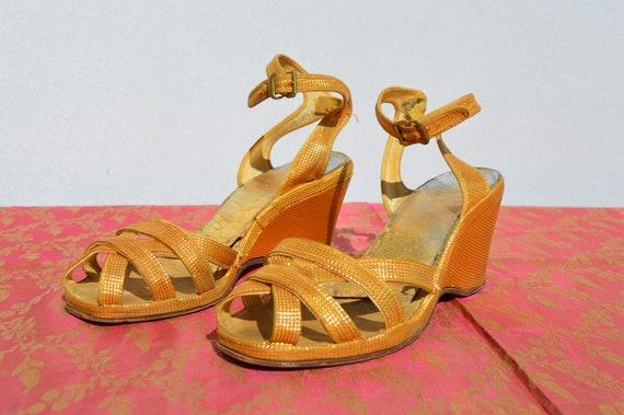 Vintage 40s Original GOLD WEDGES shoes Sandals Sz