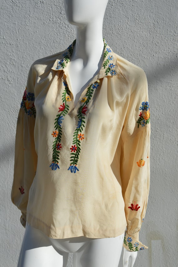 Vintage 40's hand embroidered silk blouse pheasan… - image 3