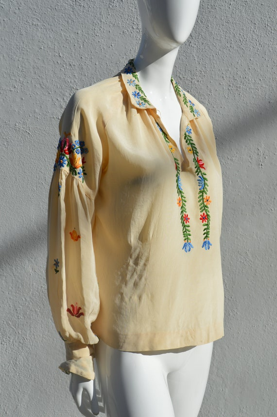 Vintage 40's hand embroidered silk blouse pheasan… - image 2