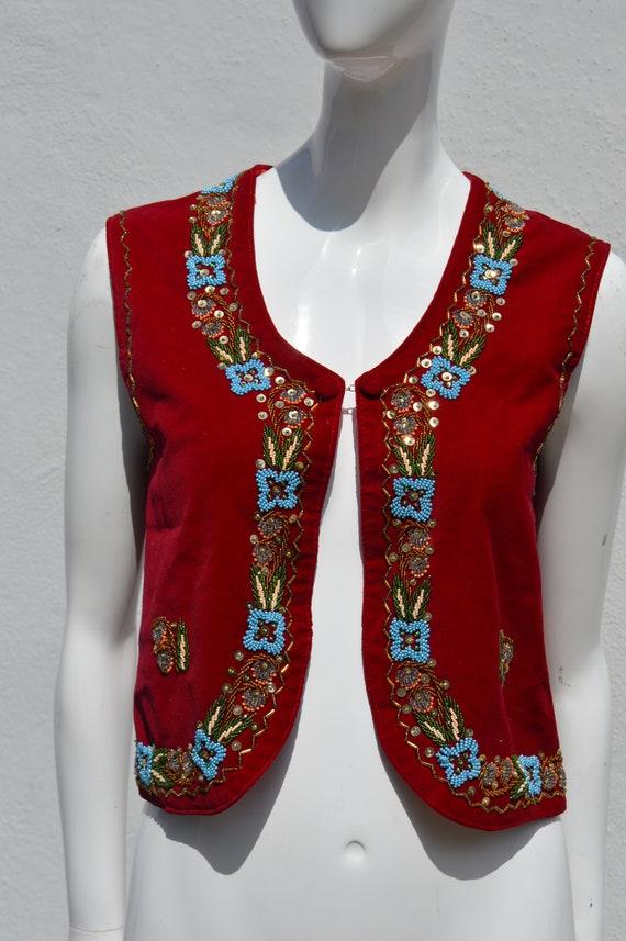 Vintage 70's HAND EMBROIDERED red velvet vest siz… - image 4
