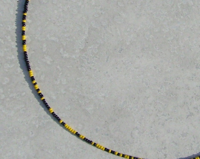 I Ching Necklace - Black and Yellow Glass (high-voltage model)