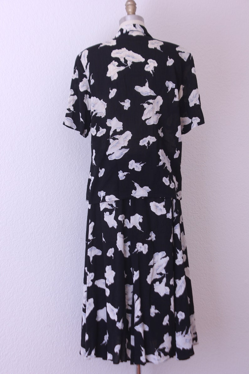 1980s Carole Little Blouse and Skirt with   floral Design