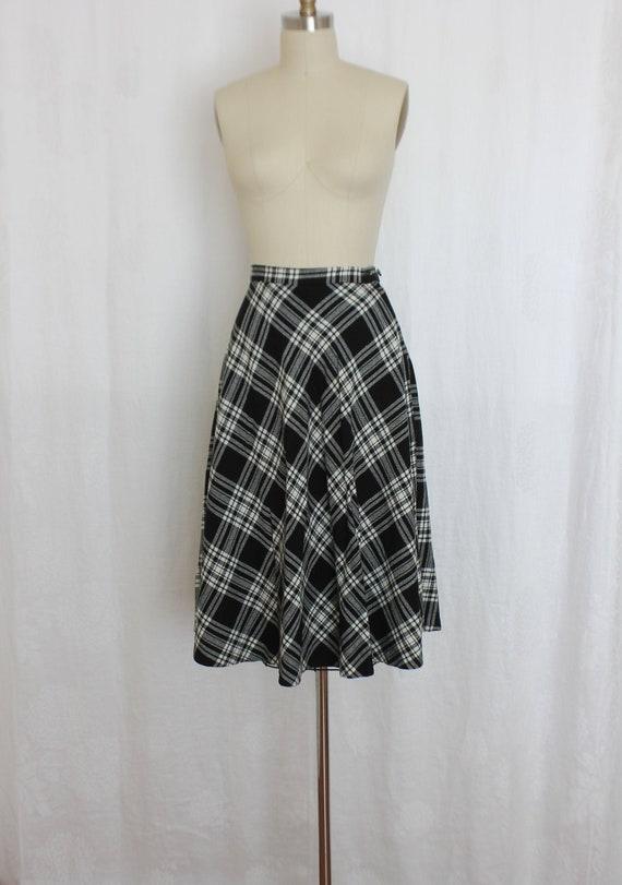 vintage black and white  wool tartan skirt
