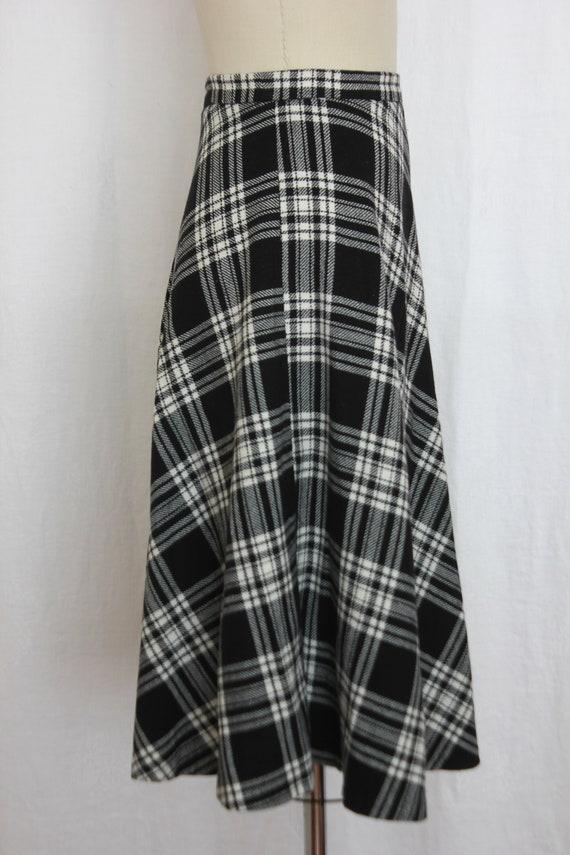 vintage black and white  wool tartan skirt - image 4