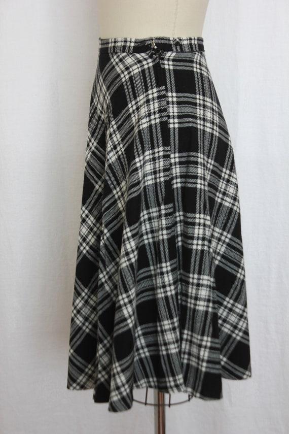 vintage black and white  wool tartan skirt - image 3
