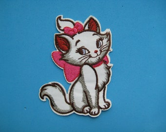 19e01201 Iron-on/ Sticker Embroidered Patch Lovely Marie Cat 3.25 inch