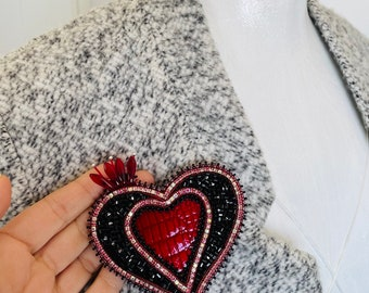 Embroidered pin brooch Red heart Denim jacket pin Tender jewelry Seed bead brooch Anniversary gift for wife Love symbol Burlesque costume