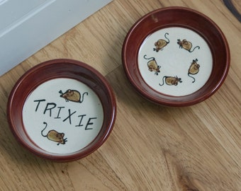 Cat Dishes/ Set of Two 2 / Food and Water / Personalized with Name / Mice Pattern / Choice of Colors / Gift for Cat Owner / Gift under 25