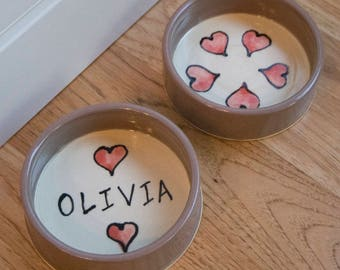 Pet Food Bowls / Straight Sides / Hearts / Set of Two 2 / Personalized / Choice of Colors / Gift Under 25 / Cat / Dog / Rabbit / Guinea Pig