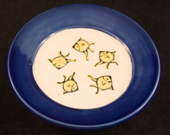 Cat Food Saucer / Small Plate / For Moist Cat Food / Fish Pattern / Choice of Colors / Can Personalize / Gift for Cat Owner / Gift under 15
