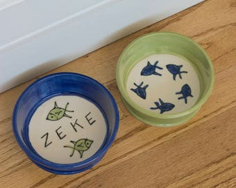 Cat Dishes / Set of Two 2 / Food and Water / Personalized Bowl / Fish Pattern / Choice of Colors / Gift for Cat Owner / Gift under 25