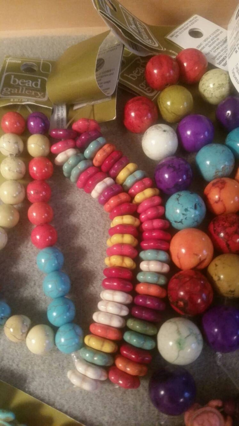 Howlite Glass and Agate ! HUGE lot of beads