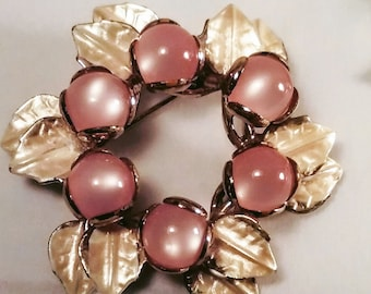 Vintage Wreath Brooch Pin Gold Pink