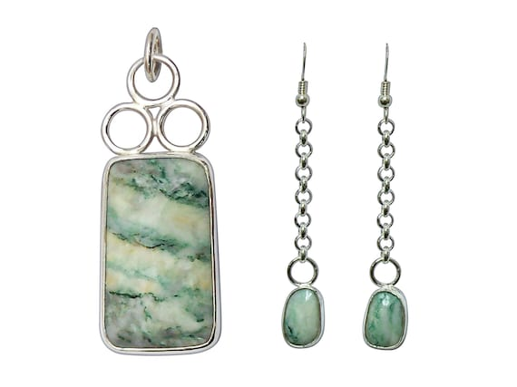 Mariposite and Sterling Silver Pendant and Earring Set. Mariposite is also called Emerald Quartz  peqj3291