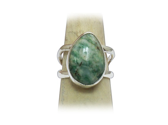 Mariposite Statement Ring Size 6-1/2 also known a Emerald Quartz  r65eqf3274