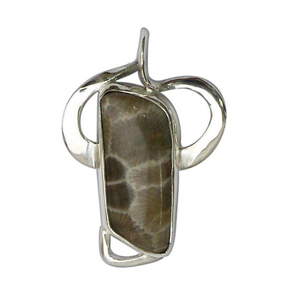 Petoskey Stone Pendant set in Sterling Silver  ppkye3044