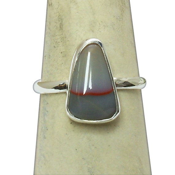 Kentucky Ribbon Agate and Sterling Silver Ring, size 7-1/4  r725kad3231
