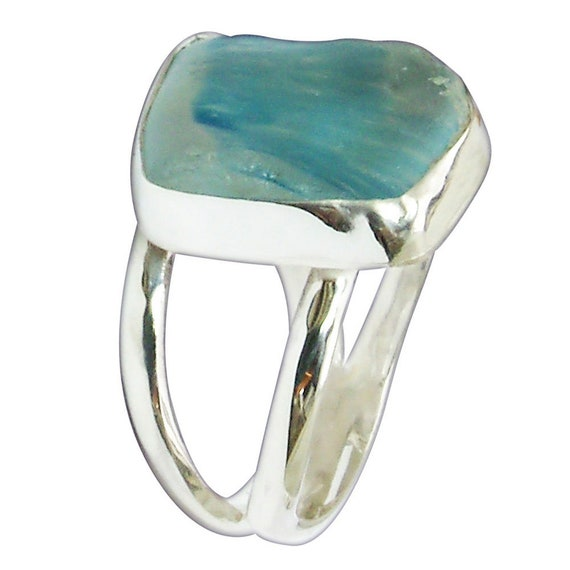 Blue Beach Glass and Sterling Silver Ring, Size 6  r6bgld3083