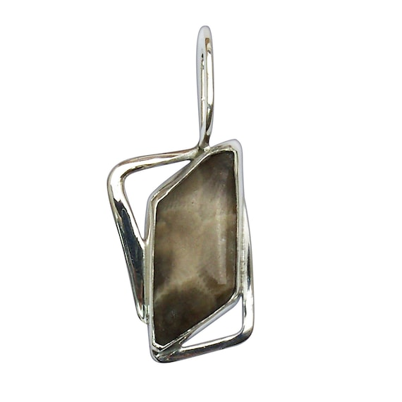 Petoskey Stone Pendant set in Sterling Silver  ppkye3135