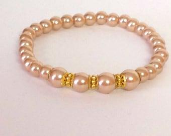 Light Neutral Color, Beaded Bracelet with gold metal accents ... Faux Pearl Stretch Bracelet .... Light Sandstone color