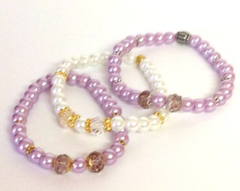 Beaded Bracelet with Crystals and metal accents ... your choice ... Purple or White .. Faux Pearl Stretch Bracelet with Sparkle