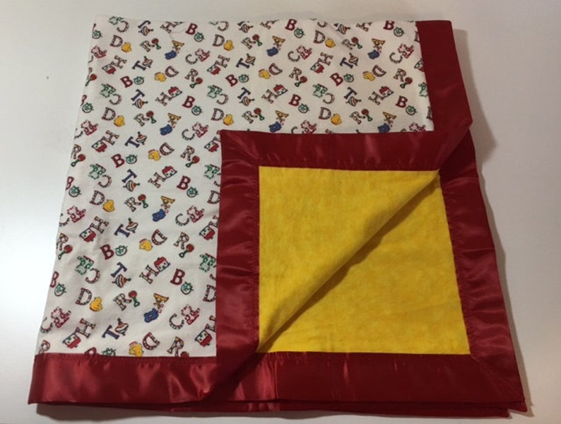 Satin Trimmed Flannel Blanket Red ABC/'s