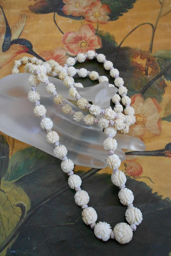 1930's Floral Carved Celluloid Necklace