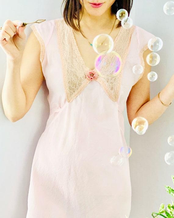 Vintage 1930s Pink Lingerie/ Bias Cut Dress/ Vinta