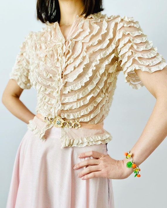RARE Vintage 1930s pastel pink ruffled lace top