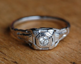 Vintage 1930s 18K engagement right with .15 carat Old European Cut diamond