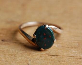 Vintage 10K heliotrope bloodstone bypass ladies dress ring