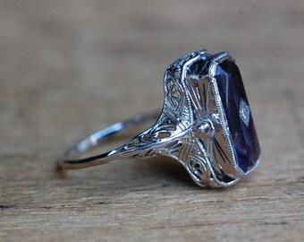Vintage Art Deco 1930s 14K swivel filigree ring with amethyst, onyx, and diamonds